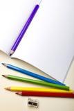 Papier und Bleistifte Stockbilder