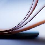 Papier und Farben Lizenzfreie Stockfotos