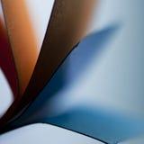 Papier und Farben Lizenzfreie Stockfotografie