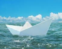 Papierboot lizenzfreies stockbild