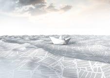 Papierboot auf Meer von Dokumenten unter ruhigem Himmel Lizenzfreie Stockfotografie