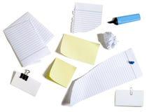 Papiere und Post-It Stockbild