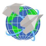 Papierflugzeuge fliegen um die Planet Erde Lizenzfreie Stockfotos