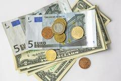 Papiergeld op witte achtergrond Stock Afbeelding