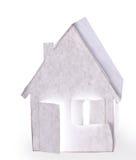 Papierhaus. Lokalisiert Lizenzfreie Stockfotos