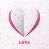 Papierherz-Liebes-Karte auf Blumen-Hintergrund. Schablone für Design Lizenzfreies Stockbild