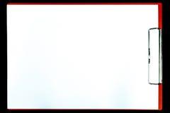 Papierklemmbrett wird auf schwarzem Hintergrund lokalisiert lizenzfreie stockfotografie
