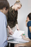 papierkowych robót biznesowi ludzie Zdjęcia Stock