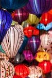 Papierlaternen auf den Straßen von Hoi An Stockbild