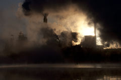 Papiermühle durch Sunrise Stockfotografie