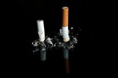 papierosów niebezpieczeństwa dymienia przerwa Obraz Stock