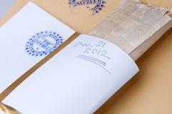 Papierowa koperta stemplujący Ściśle Tajny z papirusem Fotografia Royalty Free