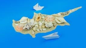 Papierowe łodzie z wybrzeża wyspa Cypr zbiory wideo