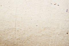 Papierowej tekstury tła organicznie kartonowy zakończenie Grunge rocznika papieru ekologiczna powierzchnia z błonnikiem, czerepy obraz stock