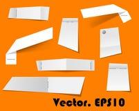 Papierowi świstki i notatki dołączający z zszywaczem ilustracji