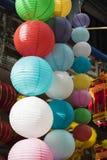 Papierowi lampiony dla sprzedaży na zrozumienia Ma ulicie Fotografia Stock