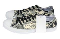 Papierowi promuje wielkich rabatów żołnierza deseniowi sneakers Obrazy Stock