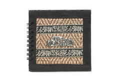 Papierowy notatki srebro elephent na bambus pokrywie Obrazy Stock