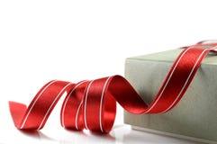 Papierowy pudełko i sukienny faborek Zdjęcia Stock
