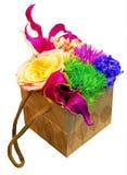 Papierowy pudełko z kwiatami Obrazy Stock