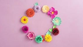 Papierowych kwiatów wirować zbiory