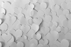 Papiers de forme de coeur, noirs et blancs Photographie stock libre de droits
