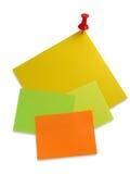 Papiers de note colorés avec le rouge Photo stock