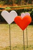 Papiers peints de Saint-Valentin Thème romantique d'amour : Beaucoup forme rouge Image stock