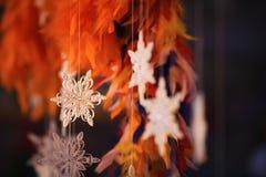 Papierschneeflocke gemacht mit Rüschentechnik - Makrodetails Lizenzfreie Stockbilder