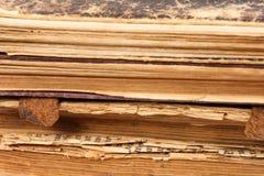 Papierseiten der alten Bücher Stockbild