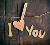 Papierwörter ich liebe dich Stockfotos