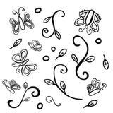 Papillon différent de motif d'aile du croquis trois simples d'aspiration de main de vecteur et petit arbre illustration de vecteur