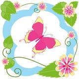 Papillon parmi des fleurs Photographie stock libre de droits