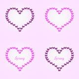 Papillons de vol de papillon, roses et noirs en forme de coeur Image stock