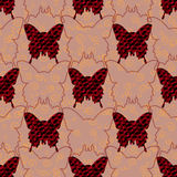 Papillons rouges et noirs de jeans et leurs silhouettes à l'arrière-plan en pastel avec les boucles d'or Configuration sans joint Photographie stock