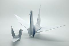 Papiroflexia blanca grúa, pájaro, papel Fotografía de archivo libre de regalías