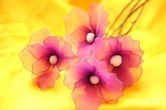 Papiroflexia - flores hechas a mano artificiales Imagen de archivo