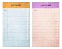 papper för block för anmärkning för lista för kontrolldatalista klibbigt gammalt Arkivbilder