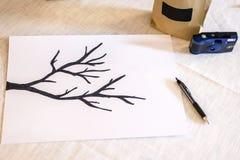 Papper för pennan för abstrakt begrepp för bakgrund för Grunge för textur för filialen för trädet för illustrationen för förbinde Royaltyfria Foton