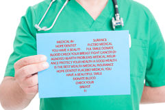 Papper med massor av ord i hjärtaform royaltyfria bilder
