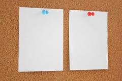 Papper och corkboard Royaltyfria Bilder