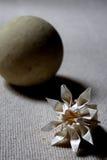 Papper och sten Fotografering för Bildbyråer