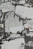 papper riven vägg arkivbilder