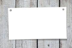 Pappers- anmärkning, träbakgrund Stock Illustrationer
