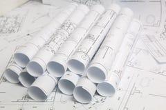Pappers- arkitektoniska teckningar och ritning Iscensätta ritningen arkivbilder