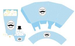 Pappers- ask för popcorn Muffinomslag Tryckbar mall för litet parti för pojke för dusch för man` s birthdaybaby Arkivfoto