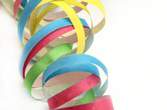 Pappers- banderoller i olik färg Arkivfoton