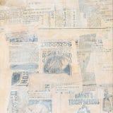 Pappers- collage för Grungy antik tidning arkivfoton