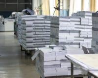 Pappers- fabrik royaltyfri foto