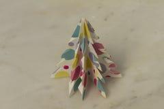 Pappers- gran för handgjord jul Royaltyfri Foto